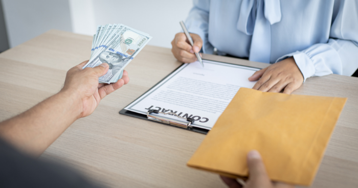 Pros and Cons of Making a Cash Offer on a Home